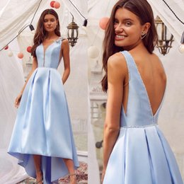 Discount ruffled hi low prom dresses 2020 High Low Evening Dresses V Neck Floral Appliqued Beaded Sleeveless Prom Dress Backless Ruffle Custom Made Sky Blue Formal Party Gown