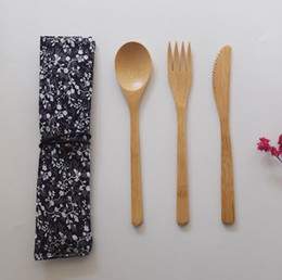 Chinese  Japanese Style Bamboo Cutlery Set Eco-Friendly Portable Flatware Knife Fork Spoon 3PCS SET Student Dinnerware Set Travel Tableware Set manufacturers