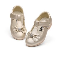 Flower Shoes Kids NZ - White Children Flowers Girls Kids Leather Princess Dress Shoes For Teenagers Girls Party And Wedding Dance Single Shoes New 2018