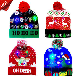 2020 Novo Natal Natal 10 Hot Levado Chapéus Beanie Santa Vender Sweater Adult Light Designs Chapéu de malha para Kid Hat para Up Gif GXNBS