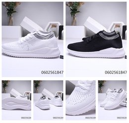 south korean shoes NZ - Classical men shoes Breathable elasticity soft sole running leisure south Korean version of the trend of youth new sports running shoes