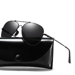 5611a5de2 Gafas de sol de aviador polarizadas Marco de metal clásico Estilo piloto  100% Protección UV Conducción Gafas de sol Hombres Mujeres