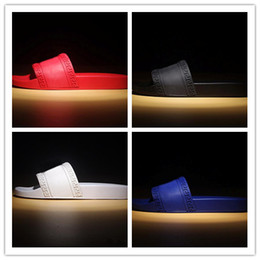 $enCountryForm.capitalKeyWord Australia - hot brand Men Beach Slide Sandals Medusa Scuffs 2017 Summer Slippers Mens white Beach Fashion slip-on designer sandals black flip flops 7-11
