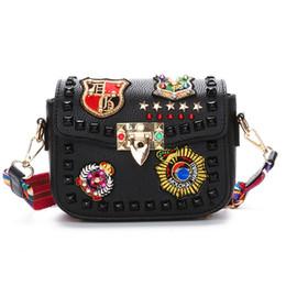 $enCountryForm.capitalKeyWord UK - Fashion Color Rivet Design Women Pu Leather Bags Embroidery Metal Stars Shoulder Bags Ladies Color Shoulder Strap Crossbody Bags