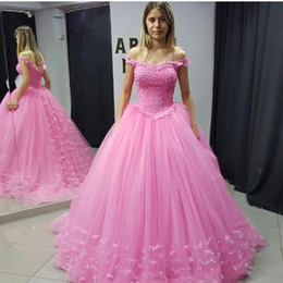 $enCountryForm.capitalKeyWord NZ - Puffy Feathers Embroidery Pearls Prom Quinceanera Dresses New 2019 Off The Shoulder Beaded Backless Tulle Sweet 15 Dress Vestido De Novia