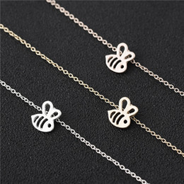honey bee pendant Australia - Tiny Honey Bee Bumble Bee Pendant chain Necklace Jewelry Humming Birds Clavicle Accessory Gift for Women