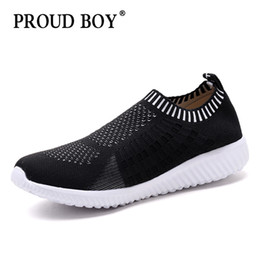 slip athletic shoes for men 2020 - running shoes for men Breathable Mesh Soft Athletics Jogging Sneaker women light Outdoor Walking slip on Sports Shoes Co
