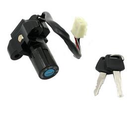 Vente en gros Ensemble de clés de verrouillage pour contacteur de moto pour Suzuki GS500E K / L / M / N / P / R / S / T / V 1989-2002 GS 500 GS500 1988-2000