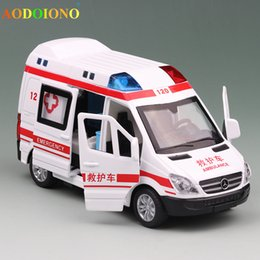 Wholesale Educational Pull Back Toy Car Alloy Diecast Emergency Ambulance Rescue Car Model Light Sounds Children Kids Christmas Gifts