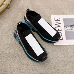 $enCountryForm.capitalKeyWord Australia - 2019 Designer shoes top Luxury embroidered white for man women green red stripes real leather designer shoes with tiger bee pearl 34-45
