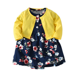 Red Cardigan Outfit UK - 2018 Infant Baby Girl Bodysuit Dresses Floral Dress+long-sleeved Cardigan 2 Pieces Cute Sets New Kid Girls Clothing Outfit Y19061001