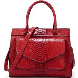 b13852fd793a0 Taschen für Frauen 2019 rot Schlange Krokodil Einkaufstasche Luxus  Handtaschen Damentaschen Designer grün gesteppte Lederhandtasche