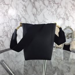 Hand Bags Types Australia - 2019 new fashion leather one-shoulder rivet lock female bag rivet star slanting envelope chain bag, hand-made details fine, package type 88