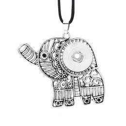 China Hot Interchangeable Flower Elephant Ginger Necklace 010 Fit 12mm 18mm Snap Button Pendant Necklace Charm Jewelry For Women Gift suppliers