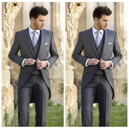 $enCountryForm.capitalKeyWord Australia - Classy Wedding Tuxedos Tailcoat Slim Fit Suits For Men Jacket Vest And Pants Groom Men Suit Three Pieces Prom Formal Suits