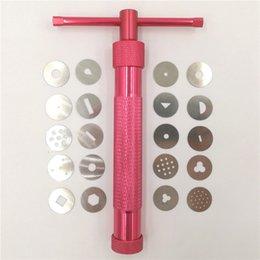 Sugar gun online shopping - Red Clay Extruders Cake Sculpture Gun With Tips Sugar Paste Extruder Fondant Cake Sculpture Polymer Gun Tool