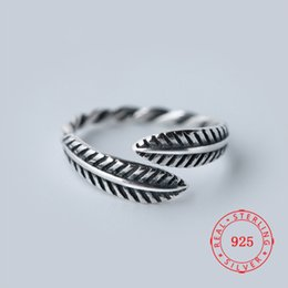 sterling silver antique rings Canada - Fashion Retro Punk Style 925 Sterling Silver Antique Feather Ring For Men And Women thai silver jewelry