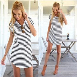 $enCountryForm.capitalKeyWord NZ - Fashion Women O-neck Short Sleeve Striped Loose Mini Dress T Shirt Everyday Dresses Female Beach Summer Dress Black white S-4xl