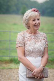 $enCountryForm.capitalKeyWord UK - 2019 Elegant Short Hollow Lace Mother of the Bride Dress Custom Made Knee Length Fashion Mother's Dress Mother Formal Wear for Wedding