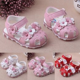white shoes for flower girls 2020 - Princess Girls Baby Hallow Flower Light Beach Sandals Girl Cute Soft Shoes Hook & Loop Summer Baby Sandals for Girls 202