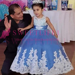 $enCountryForm.capitalKeyWord Australia - 2019 Sky Blue Jewel Princess Girls Pageant Dresses White Lace sleeveless Appliques With Bow Gown Girl For Wedding Dresses