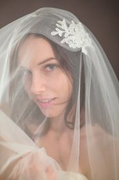 hot veils NZ - Hot Best Selling Real Picture Elegant Two Layer Applique Cut Edge Wedding Veil With Alloy Comb Bridal Veils Custom White Wrist Length