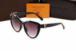 Venta al por mayor de 2019 0LOUISVUITTON Gafas de sol de moda de lujo para mujer Vintage Gafas de montura grande de metal Espejo Classoc Gafas de sol UV400