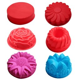 3d cake molds silicone NZ - Silicone big Cake Molds Flower Crown shape Cake Bakeware Baking Tools 3D Bread Pastry mould Pizza Pan DIY birthday wedding party