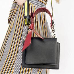 Bow Locks Australia - 2019 Luxury Messenger Shoulder Bag Women Fashion Handbags Bowknot Ladies Brand Designer Lock Buckle New Crossbody Bag