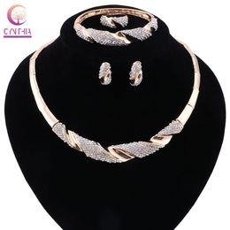 Ювелирные наборы Позолоченные Женщины себе ожерелье серьги браслет кольцо для венчания партии Boho Кристалл ожерелье на Распродаже
