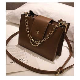 2018 New fashion Saddle Lady shoulder bag Wide chain shoulder strap Women  Messenger Bags handbags Designer Handbag hongri 12 31a1219ee8cd2
