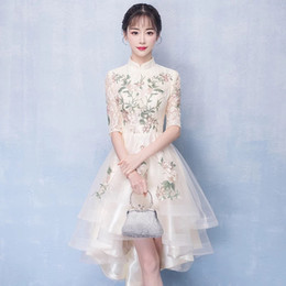 57022e558 Clássico Mulheres Vestido Tradicional Chinesa Moderna Qipao Champanhe  Casamento Cheongsam Robe Mariage Femme Vestidos de Estilo Oriental