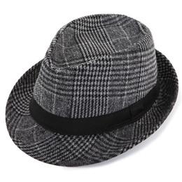 9bec38b2076 Christmas fashion new men and women British retro gentleman jazz hat Korean  wave fashion small hat visor stage