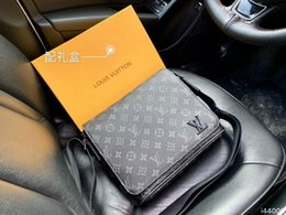 $enCountryForm.capitalKeyWord NZ - The highest quality women's fashion design lambskin leather clutch bag quilted zipper handbag 26 23 8 for women