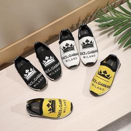 Zapatos de los niños Primavera Verano Nueva moda estilo de los niños zapatos de patrón de bordado suave zapatillas de deporte transpirables niños pequeños mocasines A-D2