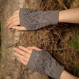 Hollow Fingers Australia - Fashion Wool Knitted Dew Fingers Half Finger Typing Women's Two Leaves Hollow Out Gloves High Quality Mittens Gloves