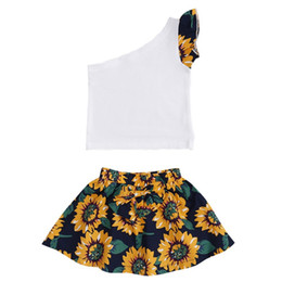 $enCountryForm.capitalKeyWord Australia - Kids Designer Clothes Girls Sleeveless Tops Sunflower Skirts 2pcs Sets Flower Girl Bow Dress Outfits Summer Kids Clothing DHW4020