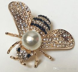 wholesale rhinestone brooches Australia - Hot Crystal Rhinestone Letter Brooch Pin Hollow Corsage Brooches Women Fashion Jewelry Costume Decoration 005
