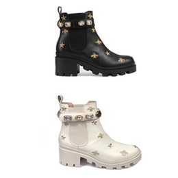 Top Quality Women Platform Ankle Boot Desert Boot Star And Bee Embrokdered Trip leather chelse boots wiht crystal belt winter Booties on Sale