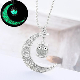 owl pendant necklace men UK - 2 Styles Moon Owl Pendant Luminous Charm Fluorescent Necklace Glow in the Dark Necklaces Women Men Halloween Christmas Gifts