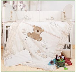 Babies Bedding Sheets Australia - 7Pcs Baby Bedding Set for Crib Newborn Baby Bed Linens for Girl Boy Cartoon Bear Detachable Cot Bumpers Sheet Quilt