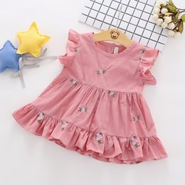 $enCountryForm.capitalKeyWord Australia - Cotton Baby Girl Designer Clothes With Ruffle Trim And Floral Embroidery And Buttons Back Up Design