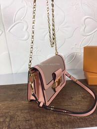 $enCountryForm.capitalKeyWord NZ - Wholesale classic portable Messenger bag fashion contrast color lock small square bag wild one shoulder old flower retro Messenger bag