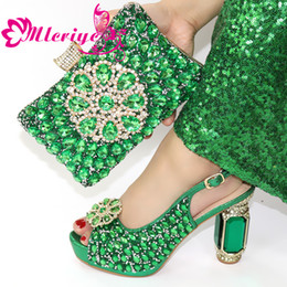 green italian shoes NZ - New Arrival Italian Ladies Shoes and Bags To Match Set Decorated with Rhinestone Matching Shoes and Bag Set for Women Party Shoe