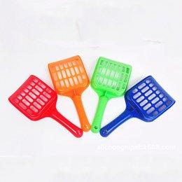 Venta al por mayor de Venta al por mayor Pet Litter Pala de plástico para mascotas Fecal Limpieza Spade con mango Durable espesar Cat Litter Scoop Pets Supplies 4 colores DBC DH0978