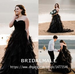 $enCountryForm.capitalKeyWord Australia - Sweetheart Elegant Country Style Black Gothic Wedding Dresses Tiered Ruffles A-Line Beach Bridal Gowns Plus Size Custom Vestido de novia