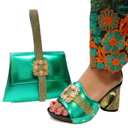 Shoes Green Color Australia - Italian Ladies Shoes and Bag To Match Set Party Shoe Green color New Arrival Italian Shoes with Matching Bags Set Decorated with Rhinestone