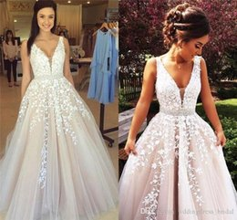 $enCountryForm.capitalKeyWord Australia - Ball Gown Long Evening Dresses 2018 New Modern V Neck Lace Appliques Tulle Backless Special Occasion Gowns Hot Sale Prom Pageant Gowns