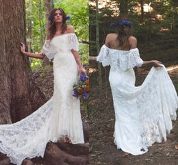 Scalloped wedding dreSSeS online shopping - 2019 New Bohemian Off Shoulder Sheath Scalloped Lace Wedding Dresses With Long Train Romantic Beach Boho Bridal Gowns BC0744