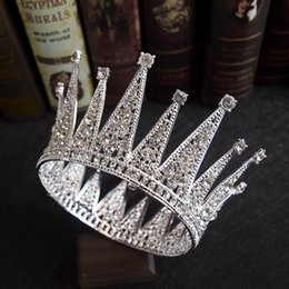 Wholesale 2019 New Style Retro Twinkling Bling Bling Bride Round Crown Church Wedding Princess Headdress Tiaras
